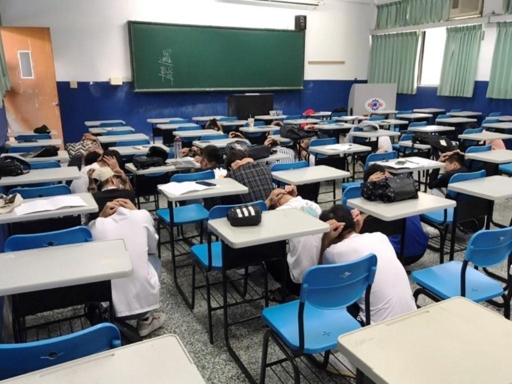 國家防災日 師生地震避難掩護演練提升防災意識