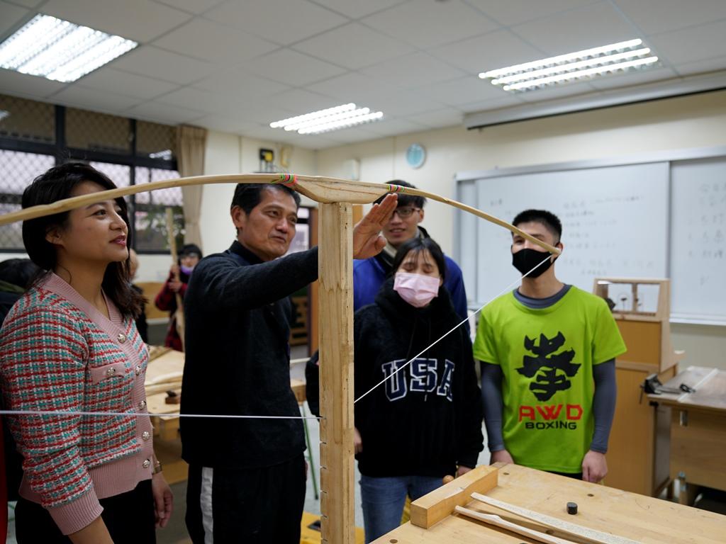 傳承體能技藝 原民專班生體育課做弓箭