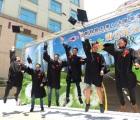 明新科大畢業典禮設蒲公英裝置藝術 期許畢業生乘風高飛勇敢追夢