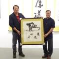 藝文中心舉辦雙弓書法名家林文彬個展 特殊技法寫出鏡像對稱的書法字畫
